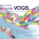 Bunter Vogel fliegt über einen See mit Enten. Titel: Der bunte Vogel - Eine Geschichte vom Anderssein